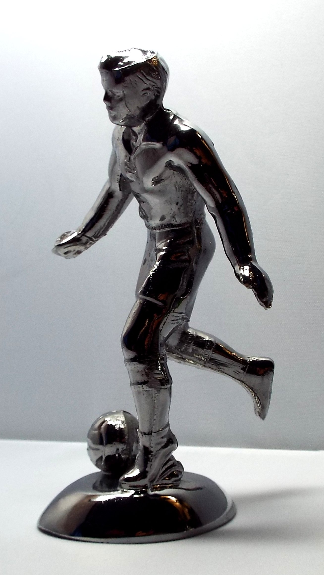 Soccer player / Footballer Bonnet Mascot-Chrome Plated